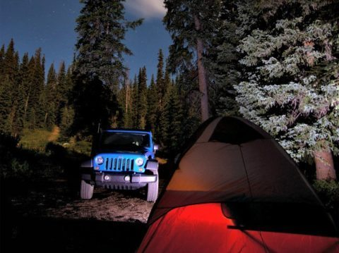 camping-jeep-wrangler