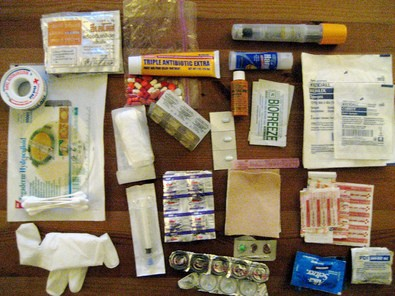 contents-of-homemade-first-aid-kit-by-mat-honan.jpg