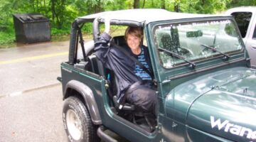 Quick-Change Locations & Tips For Putting Your Jeep Soft Top Or Convertible Top Up In The Rain