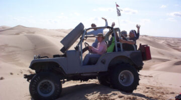 A Jeep Owner's Best Tips For Off-Road Driving On Sand Dunes