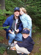 family-geocaching-with-kids-by-monagrrl.jpg