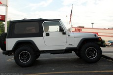 jeep-unlimited-with-lift-kit-and-tires.jpg