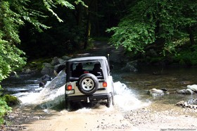 jeeping-offroad-through-water.jpg