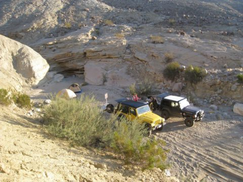 offroad-jeep-camping