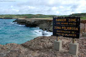 natural-bridge-collapsed-in-aruba.jpg