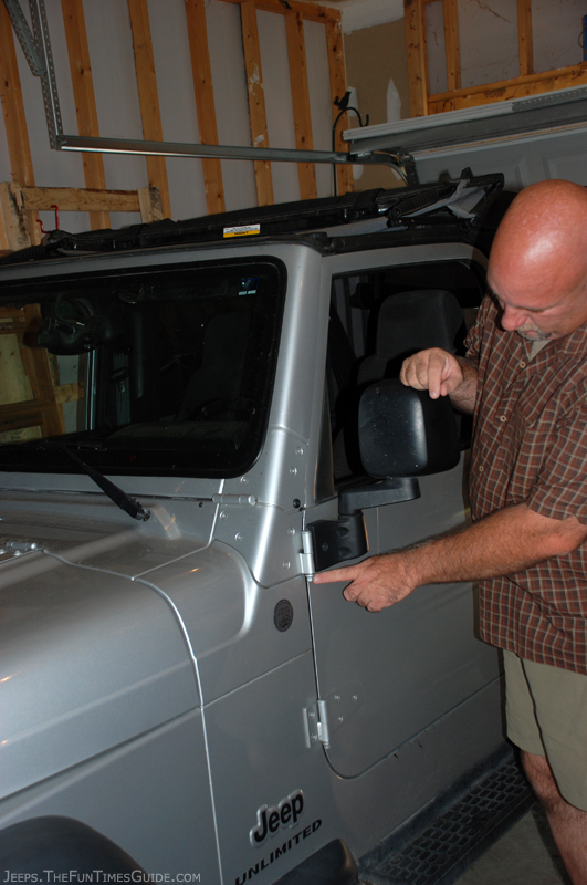 Jeep Door Removal In 4 Easy Steps See Our Tips And Photos